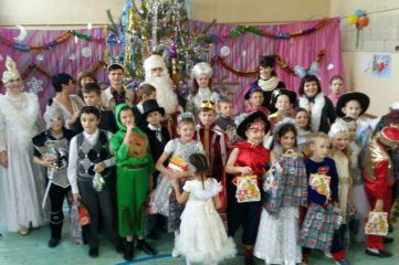 В Феодосии воспитанники школы-интерната получили подарки от «Полицейского Деда Мороза»