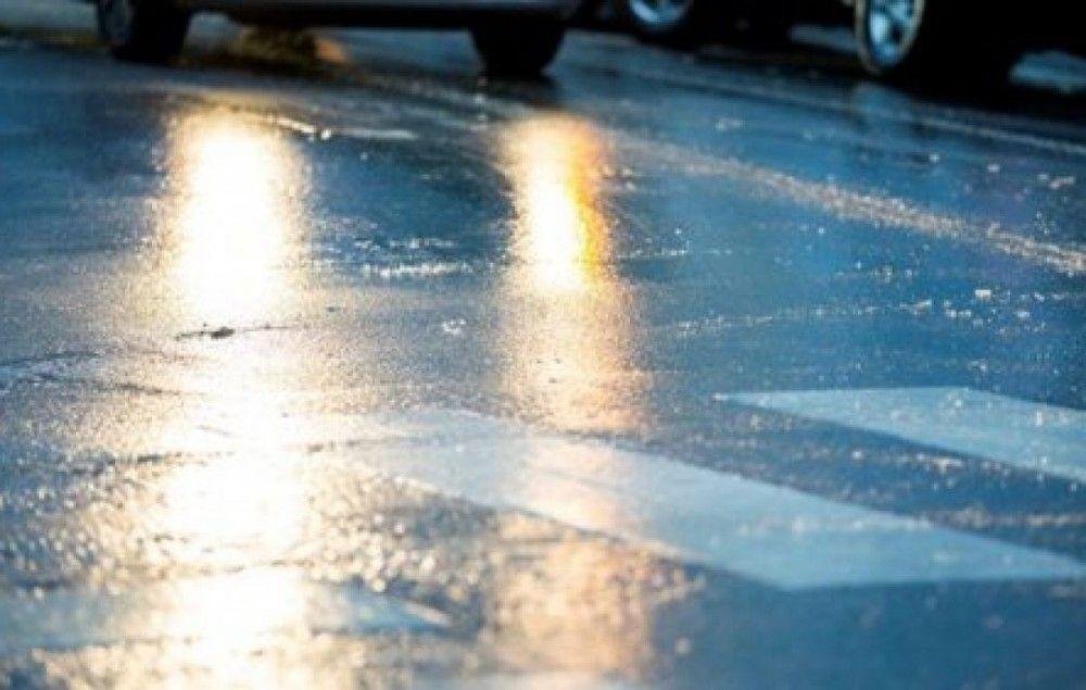 Водителей и пешеходов просят быть внимательнее на дорогах