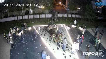 Фото с веб камеры на новый памятник генералу Котляревскому