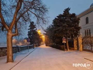 В Феодосии выпал снег