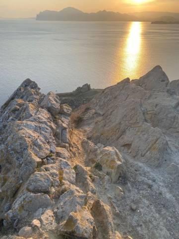 Всего одна неделя, а уже столько желающих показать красоту Крыма.