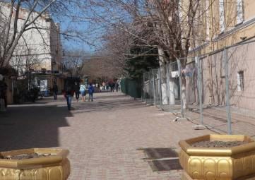 Улица Галерейная: теперь без лавочек