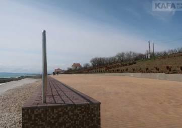 Приморский: новая набережная и новая площадь(фоторепортаж)