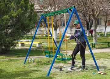 Компания ATAN провела традиционный субботник на территории Феодосийской детской больницы.