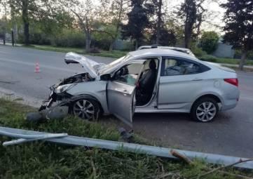 Участников ночного ДТП в Севастополе разбросало вокруг машины