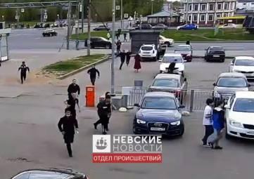 Сотня мигрантов устроили драку в Петербурге