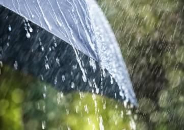Сильные дожди, град и шквал: В Крыму объявили штормовое предупреждение