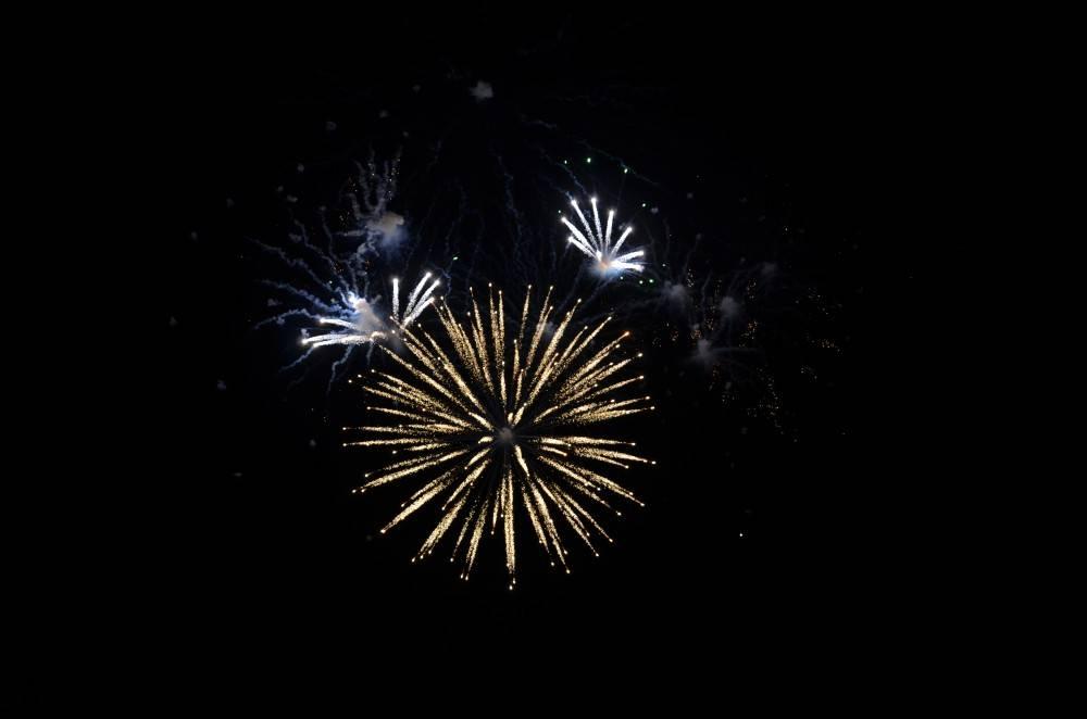 Салют — апогей торжества и восторга!