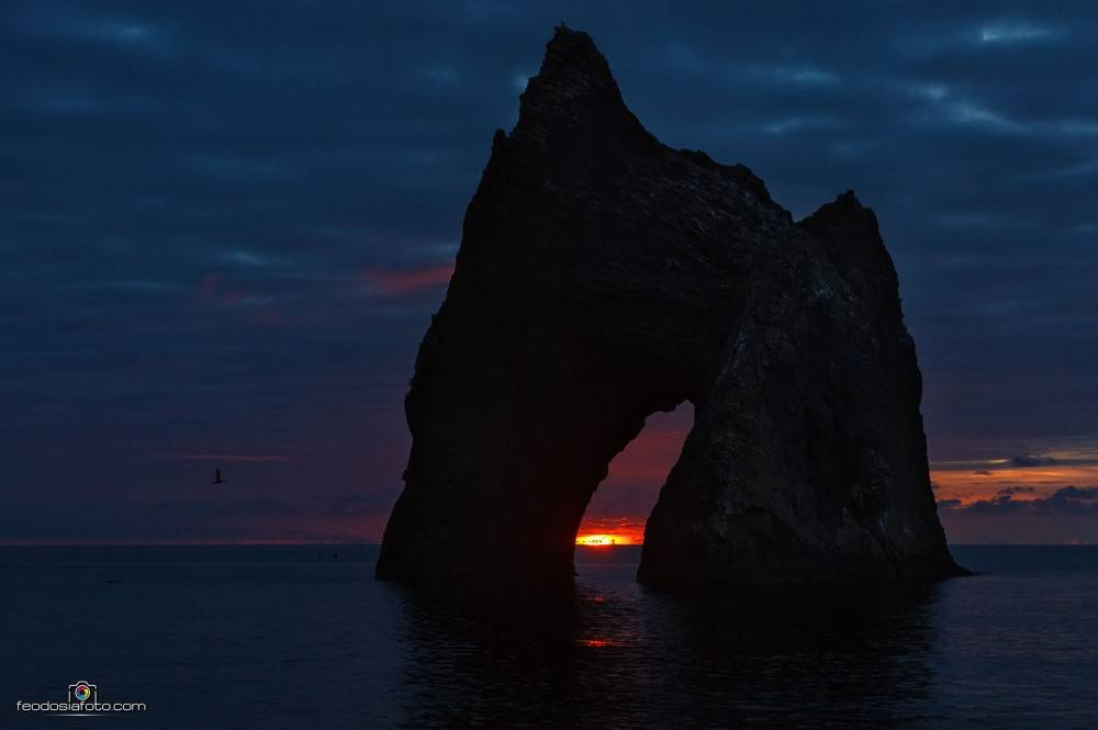 Золотые Ворота Карадага. Уникальные фото восхода солнца