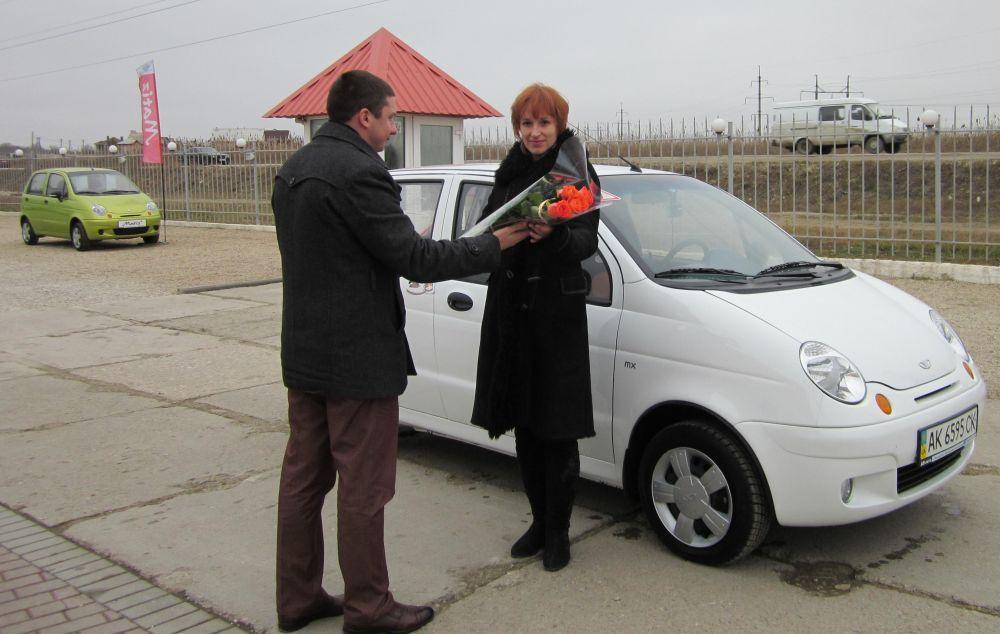 Автосалон «АВ-Авто» поздравляет юбилейного покупателя…