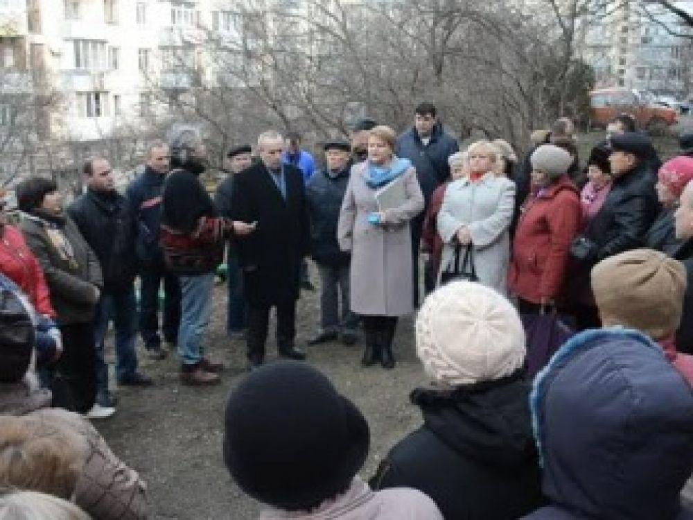 Феодосийцам разъяснили права и возможности по управлению жильём