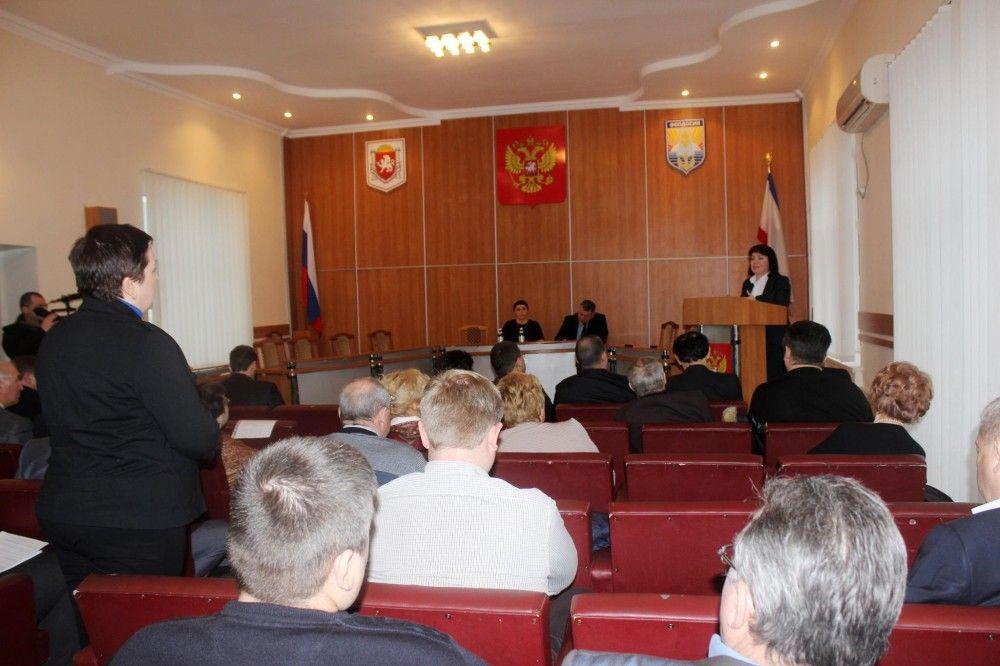 Депутатов Феодосии проконсультировали по вопросам пенсионного обеспечения