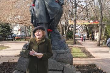 Во вторник, 10 февраля, феодосийцы собрались у памятника Пушкину.
