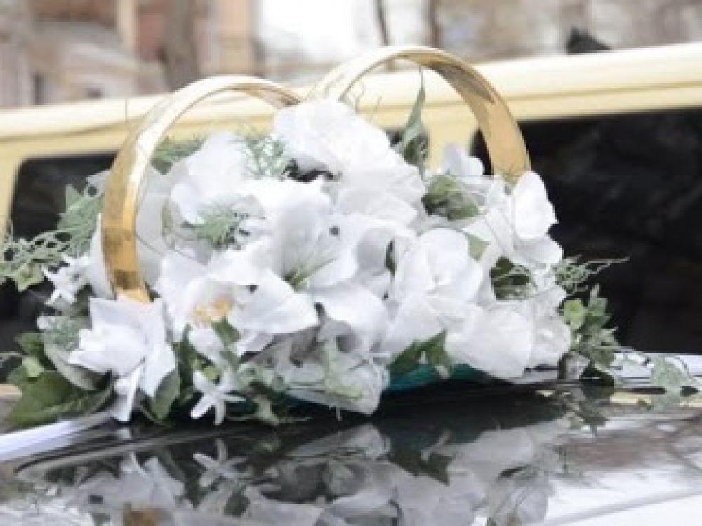 В день влюблённых в Феодосийском ЗАГСе зарегистрировали 10 браков