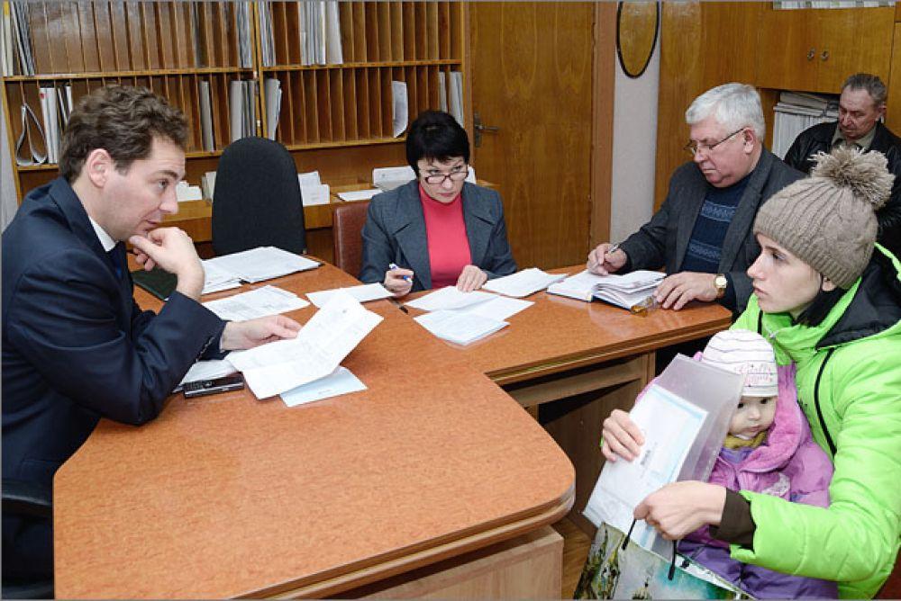 На личный прием к Главе администрации города Феодосии можно попасть по предварительной записи