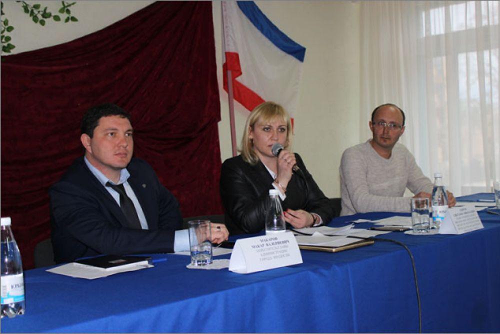 Руководство Феодосийского округа ответило на вопросы береговчан
