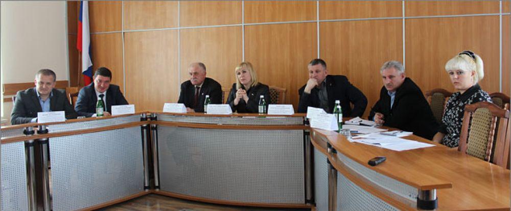 Глава муниципального образования провела совещание с промышленными предприятиями Феодосийского округа