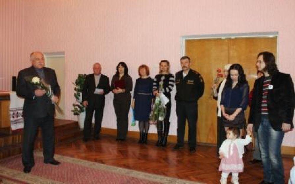 Поздравили феодосийцев, у кого личные события совпали с Крымской весной