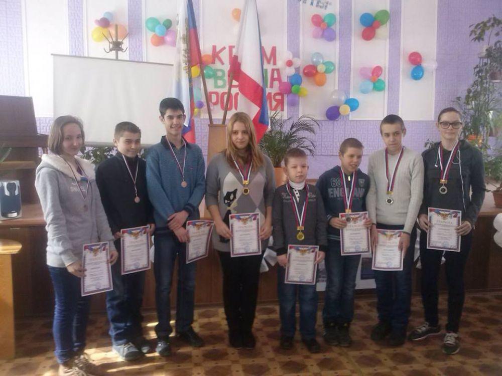 Шесть школьных команд соревновались в прошедшую среду в первенстве города по шашкам.