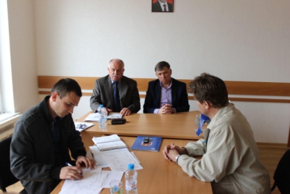 Депутаты провели прием в Береговом