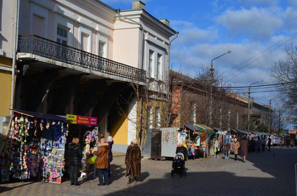 Глава администрации Дмитрий Щепетков прокомментировал схему размещения объектов летней выносной торговли.