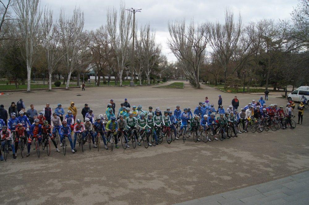 В Феодосии открыли Первенство России по велоспорту на шоссе