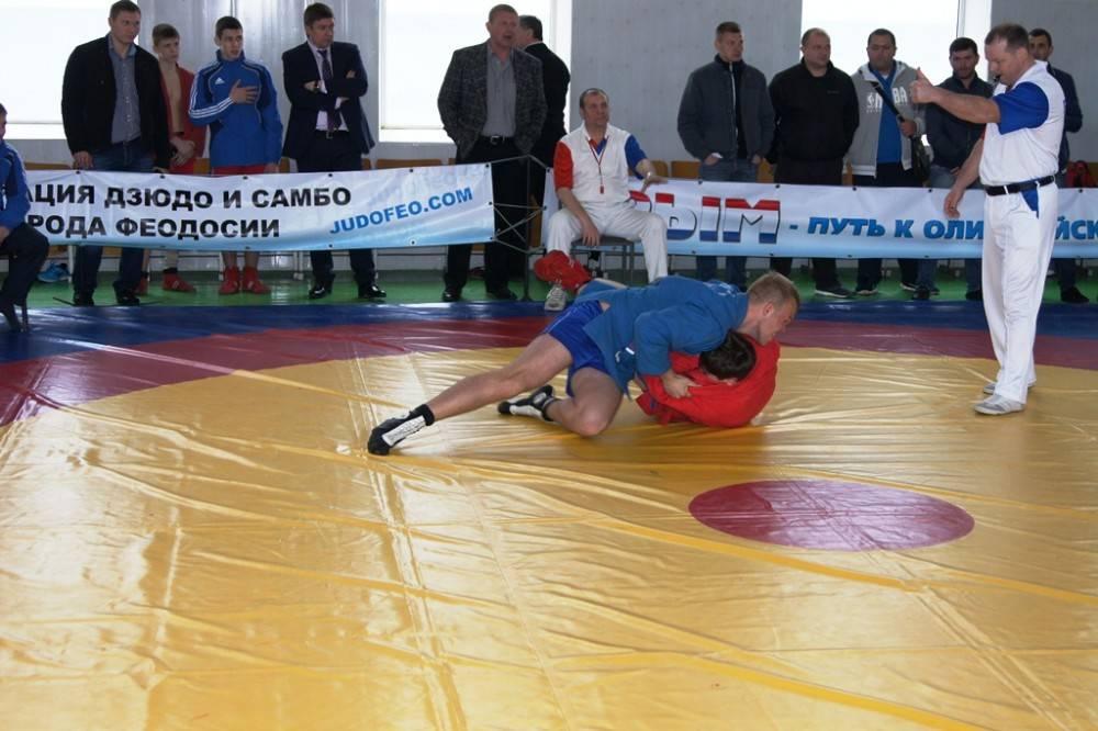В Феодосии состоялась командная встреча по самбо между сборной Крыма и Новосибирска