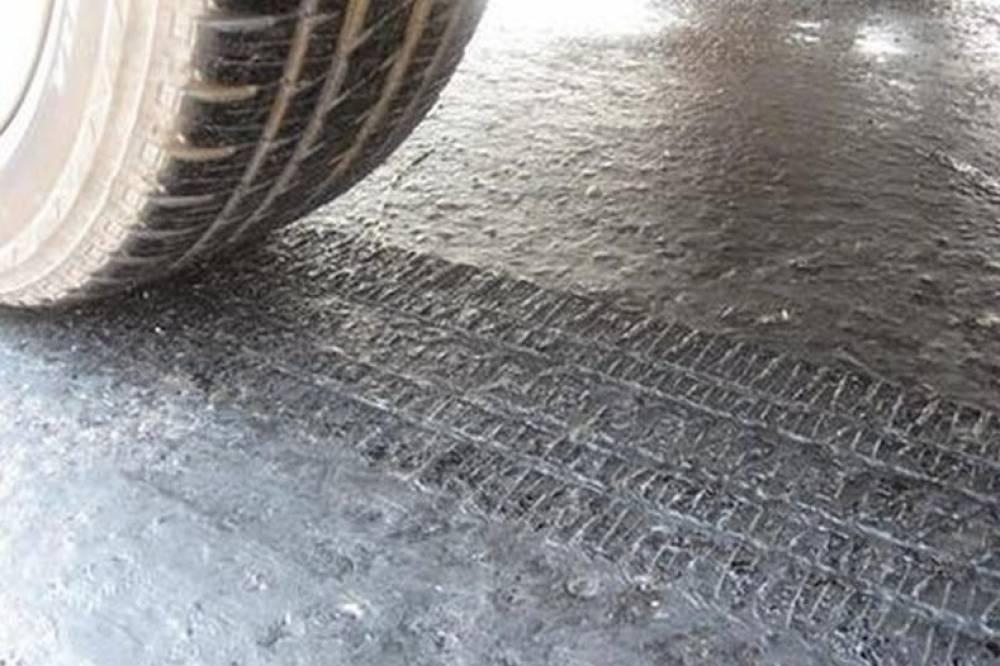 Минтранс Крыма запретил грузовикам ездить по трассам днем в жаркую погоду
