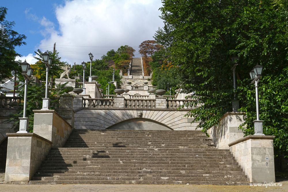 Реставрация Митридатской лестницы началась в Керчи