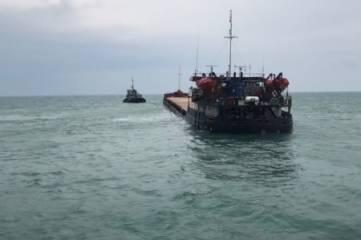 Принимаются меры по недопущению экологической катастрофы после крушения судна под Феодосией