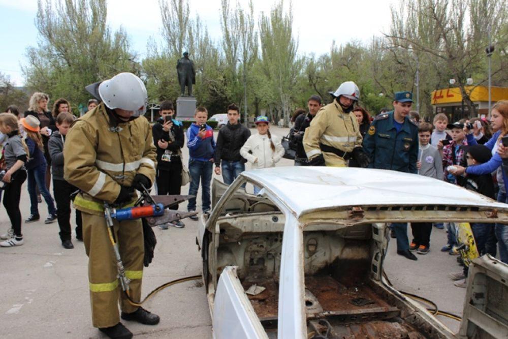 Пожарные Феодосии отметили профессиональный праздник