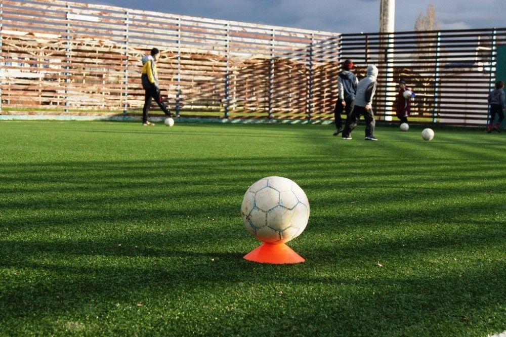 Болельщиков футбола приглашают поддержать городскую команду
