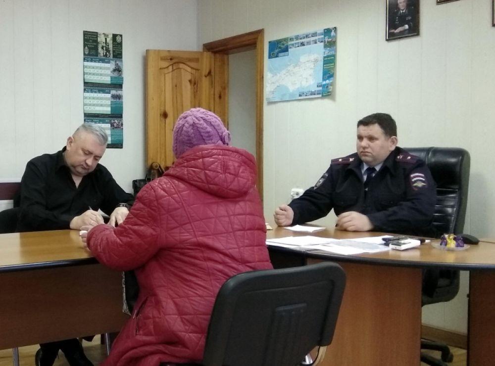 Полицейские и общественники провели совместный прием граждан в Ленинском районе