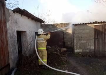 В Орджоникидзе вчера и сегодня тушили пожары