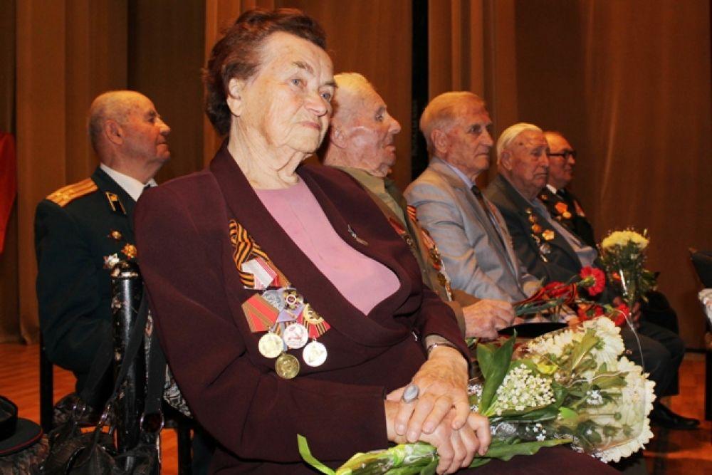 В Феодосии состоялось торжественное собрание в честь 70-летия Победы