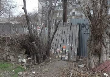 Жильцы феодосийской многоэтажки, во дворе которой хотели построить частный дом, выиграли суд