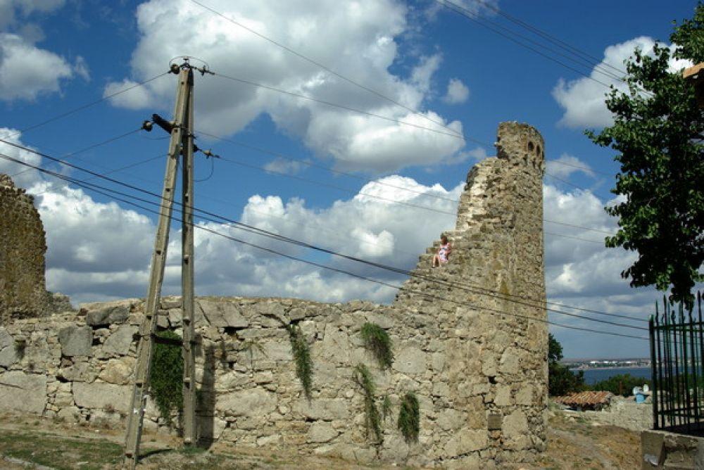 Башни Феодосии