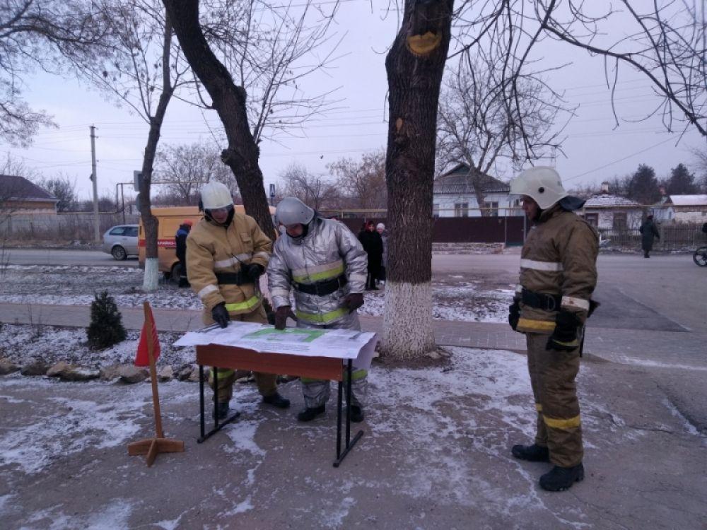 Феодосийские и кировские спасатели ликвидировали условный пожар в школе