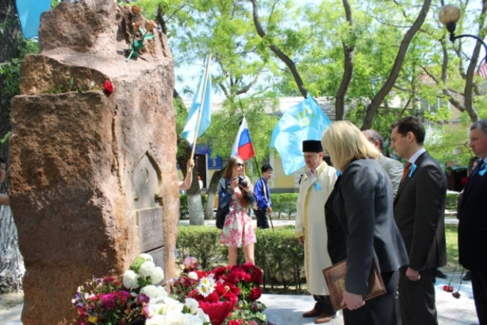 В Феодосии почтили память жертв депортации
