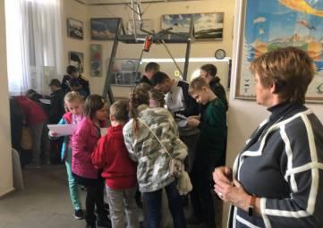 Воспитанники интерната посетили феодосийский музей свободного полета
