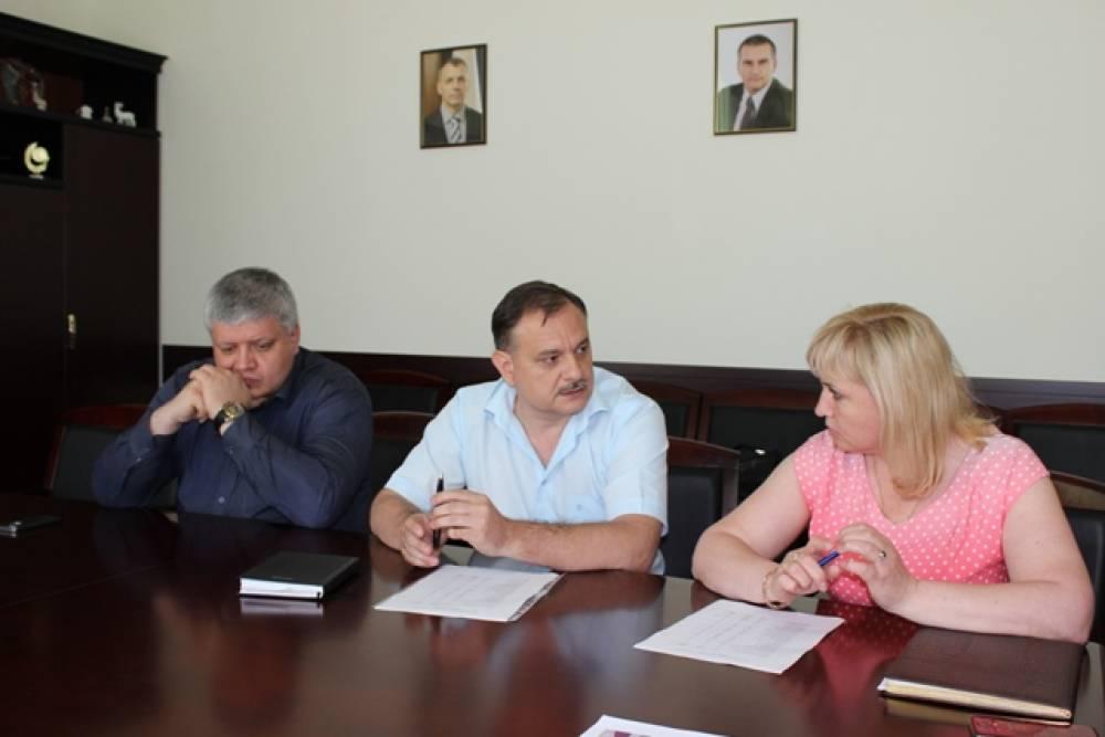 В центре внимания – Крымский рынок