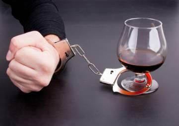 Число страдающих алкоголизмом россиян за пять лет снизилось на 22%