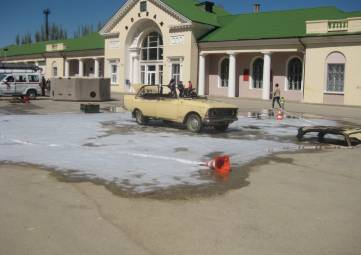 На привокзальной площади подожгут автомобиль