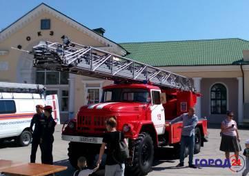 МЧС Феодосии готовятся к сожжению автомобиля