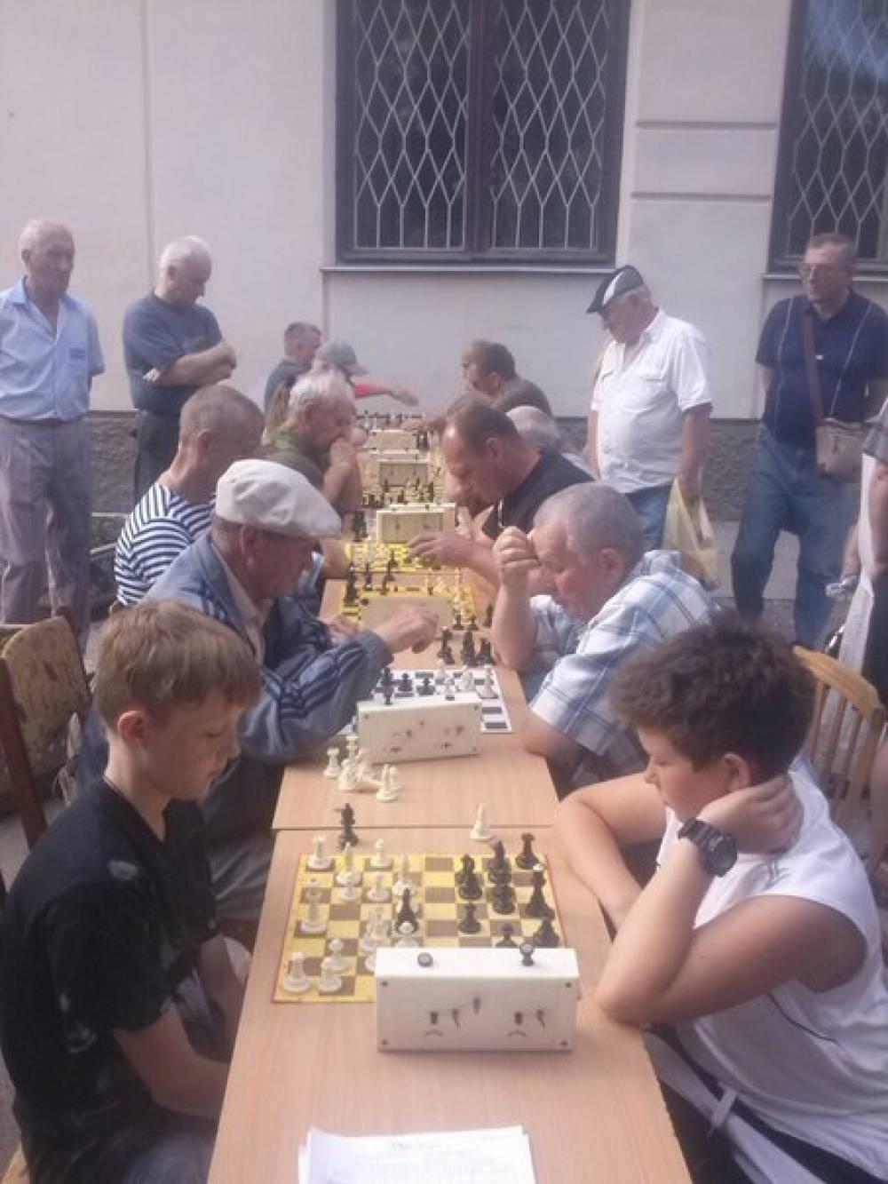 Феодосии состоялся шахматный «Турнир поколений»