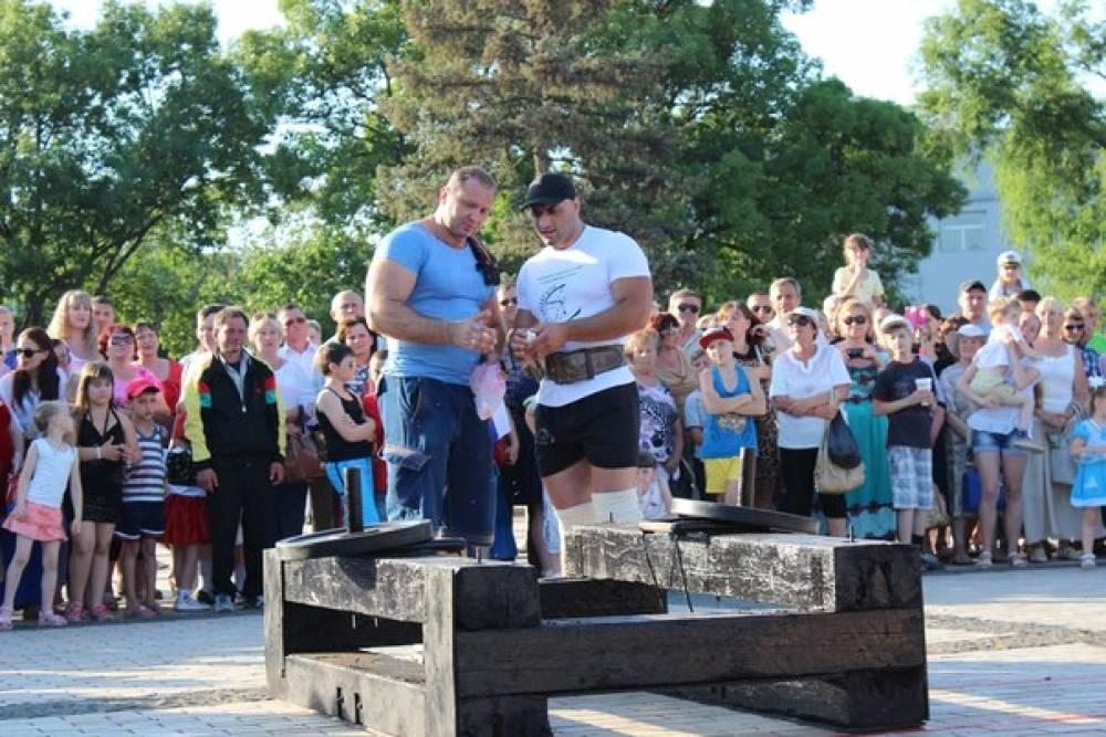 Феодосийцы заняли два призовых места на Чемпионате Крыма по силовому экстриму