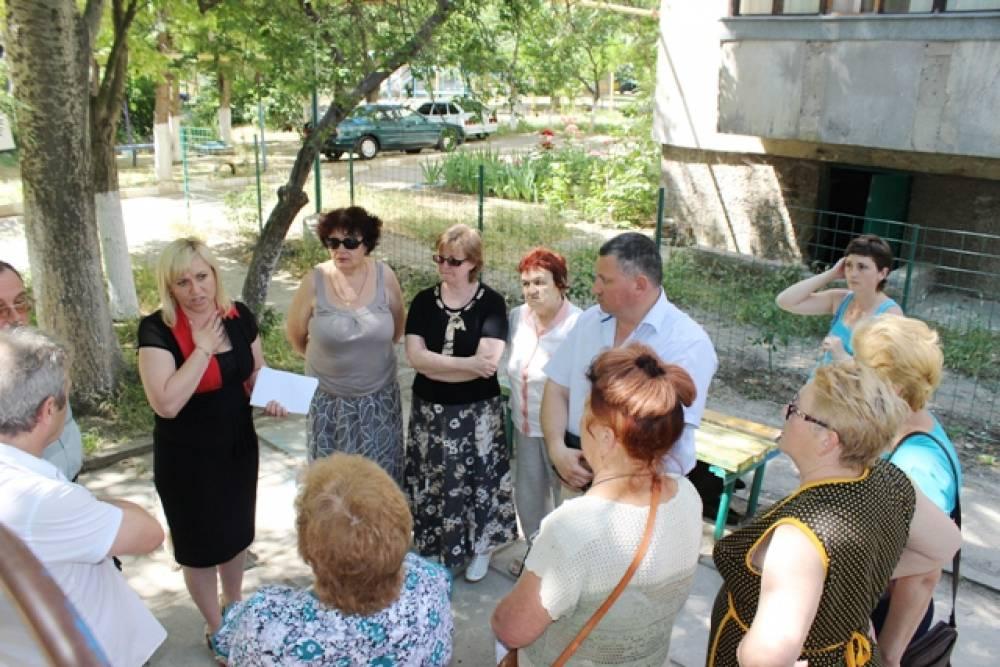 Глава муниципального округа изучила на месте вопросы по обращениям граждан