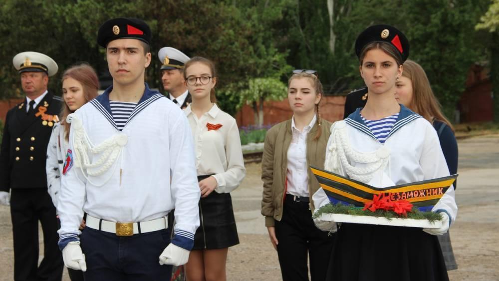 В Феодосии спустили на воду кораблики Победы
