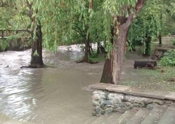 Вода в крымских реках может подняться на 2 метра