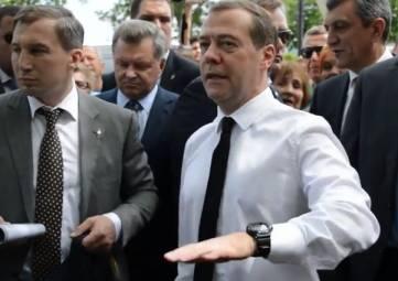 Героине мема из Крыма «Денег нет, но вы держитесь» сделали надбавку к пенсии